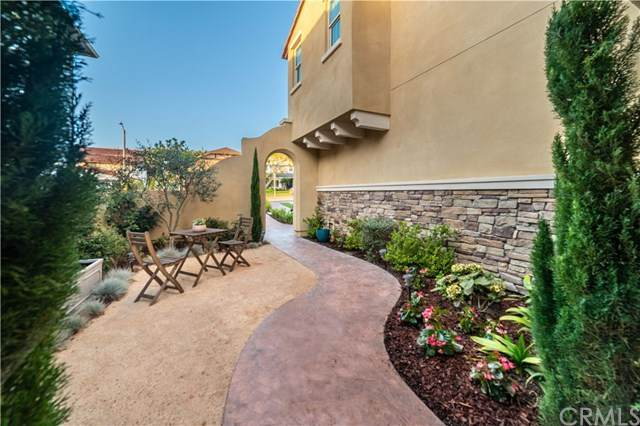 700 W Sycamore Avenue, El Segundo, CA 90245 (#SB20225736) :: The Miller Group