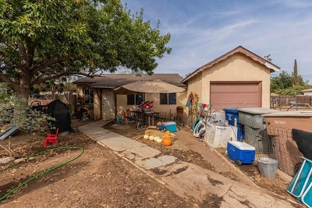 704 Lincoln Avenue, Bakersfield, CA 93308 (#V1-2192) :: Go Gabby
