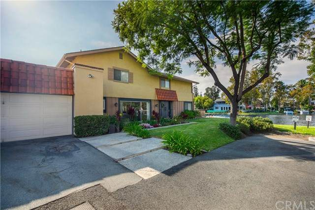 22785 Islamare Lane, Lake Forest, CA 92630 (#OC20226003) :: The Miller Group
