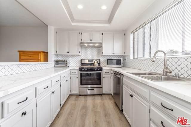 14500 Van Nuys Boulevard #46, Panorama City, CA 91402 (#20652068) :: Pam Spadafore & Associates