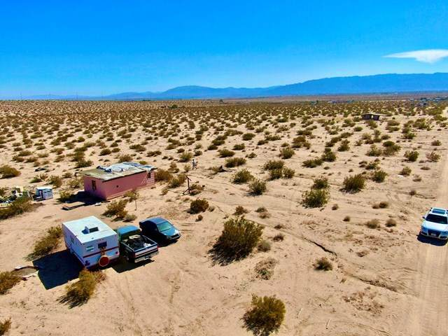 125 Decker Avenue, 29 Palms, CA 92277 (#219052076PS) :: The Miller Group