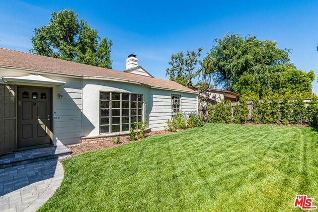 13015 Greenleaf Street, Studio City, CA 91604 (#20652420) :: Arzuman Brothers