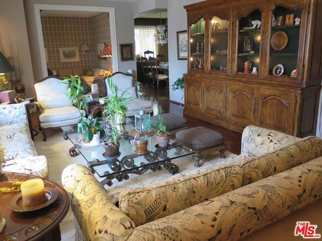 241 S Reeves Drive #102, Beverly Hills, CA 90212 (#20652472) :: Mainstreet Realtors®