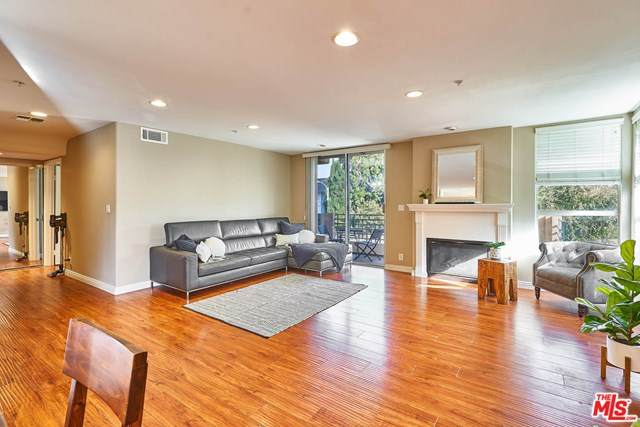 739 Lorraine Boulevard B01(201), Los Angeles (City), CA 90005 (#20652058) :: Zutila, Inc.