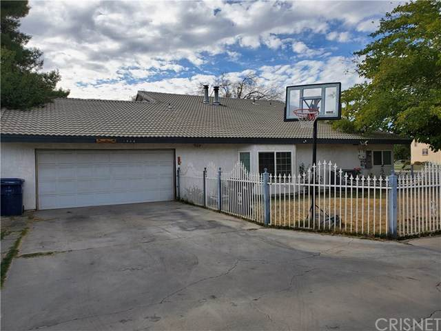 1844 W Lancaster Boulevard, Lancaster, CA 93534 (#SR20223345) :: eXp Realty of California Inc.