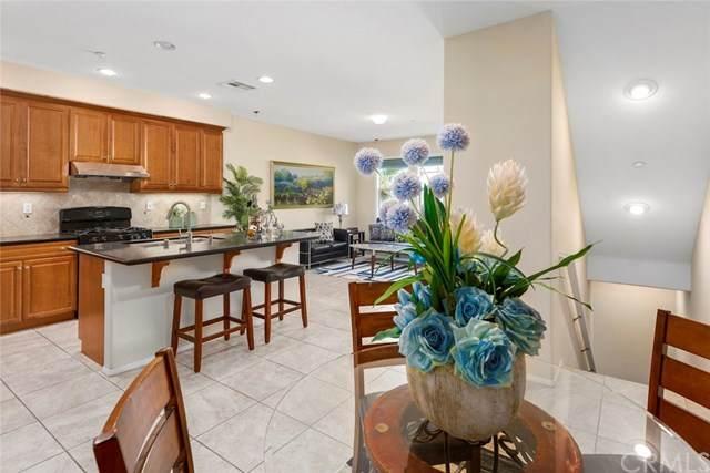 28 Vintage, Irvine, CA 92620 (#OC20227157) :: Z Team OC Real Estate
