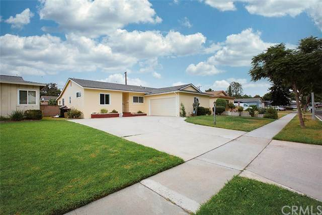 1467 W Oak Avenue, Fullerton, CA 92833 (#PW20226027) :: Team Tami