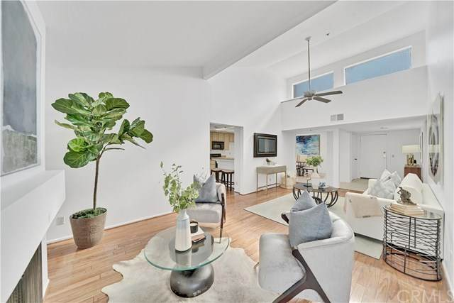 260 Cagney Lane #320, Newport Beach, CA 92663 (#NP20223166) :: RE/MAX Masters