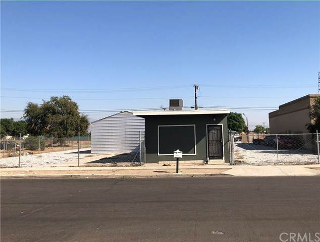 223 S Olive Avenue, Rialto, CA 92376 (#DW20227225) :: The Alvarado Brothers