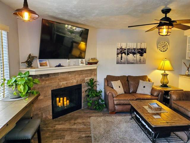 1114 Tait Street F, Oceanside, CA 92054 (#NDP2001946) :: TeamRobinson | RE/MAX One