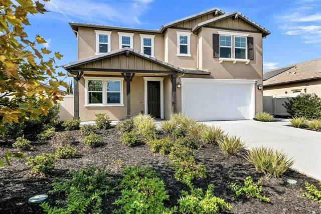 9538 Coolwater Way, Santee, CA 92071 (#200050114) :: The Results Group