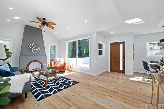 2275 Moss Avenue, Los Angeles (City), CA 90065 (#SR20228295) :: American Real Estate List & Sell