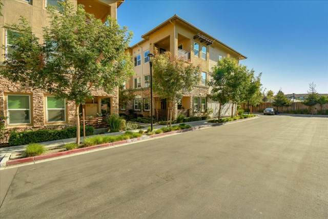 1110 Karby Terrace #301, Sunnyvale, CA 94089 (#ML81817960) :: Crudo & Associates