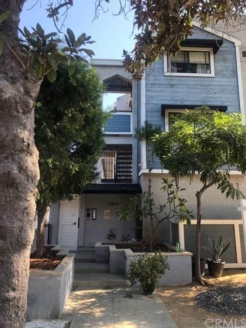 1066 Gladys Avenue #1, Long Beach, CA 90804 (#PW20228381) :: Veronica Encinas Team