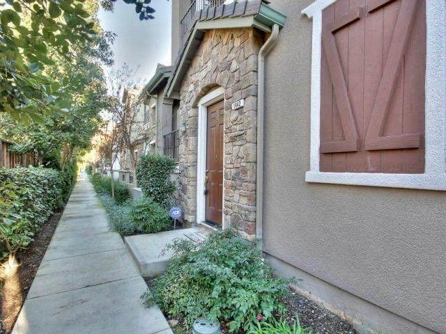 1642 Lorient Terrace, San Jose, CA 95133 (#ML81818077) :: The Houston Team | Compass
