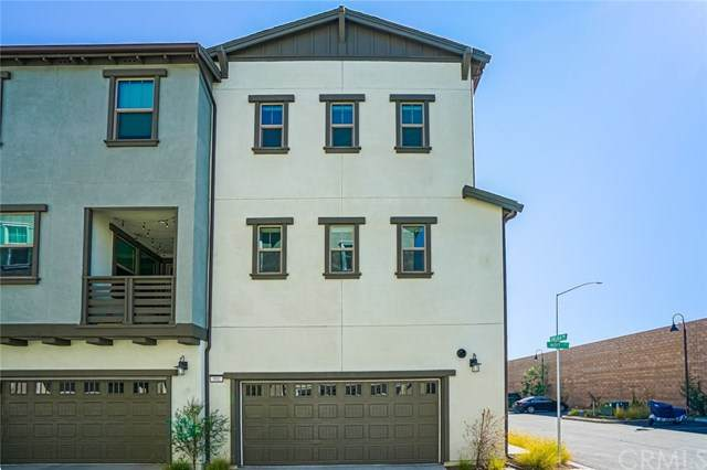 901 Hoyt Court, Tustin, CA 92870 (#PW20229026) :: Better Living SoCal