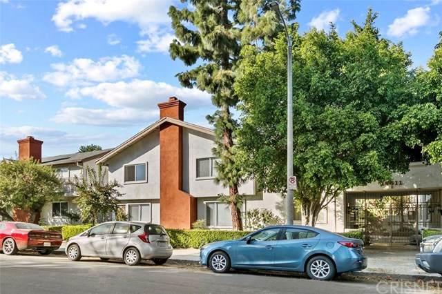 18611 Collins Street E33, Tarzana, CA 91356 (#SR20226664) :: Team Forss Realty Group