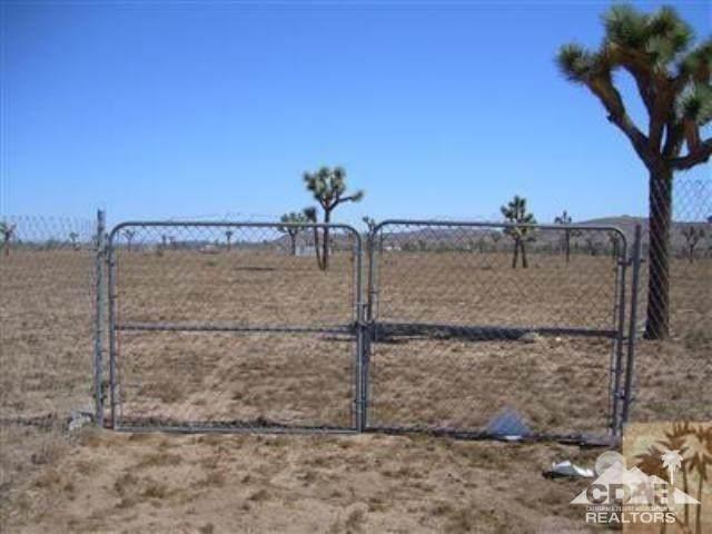 0 Aberdeen Drive, Yucca Valley, CA 92284 (#219052281DA) :: Z Team OC Real Estate
