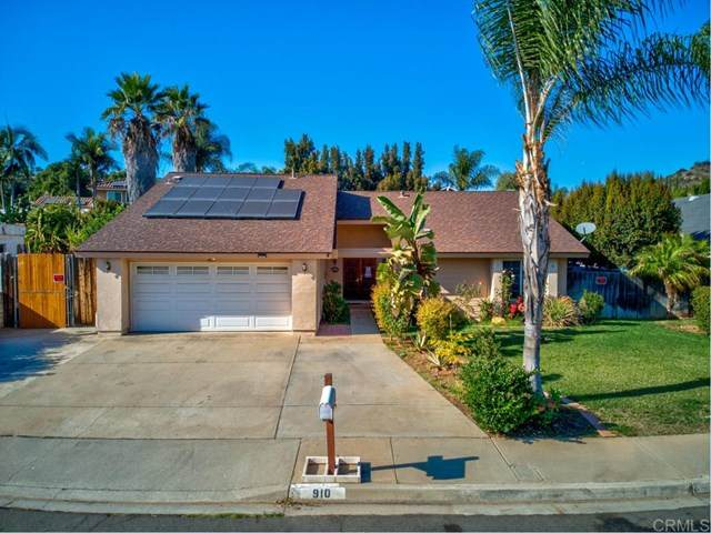 910 Terrace Avenue, Escondido, CA 92026 (#PTP2001139) :: Veronica Encinas Team