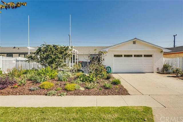 15792 Tullow Lane, Huntington Beach, CA 92647 (#OC20228769) :: Better Living SoCal