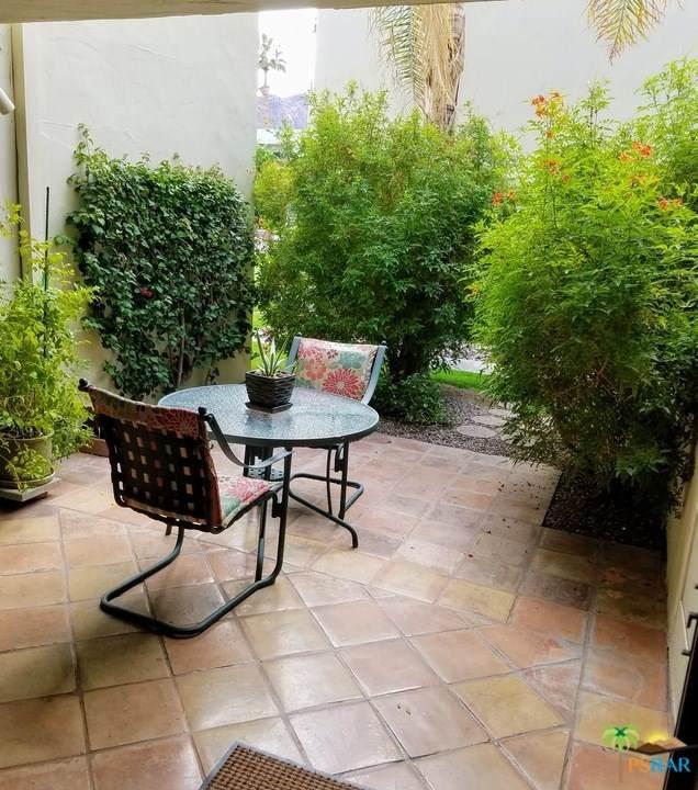 1655 E Palm Canyon Drive #205, Palm Springs, CA 92264 (#20654308) :: Crudo & Associates
