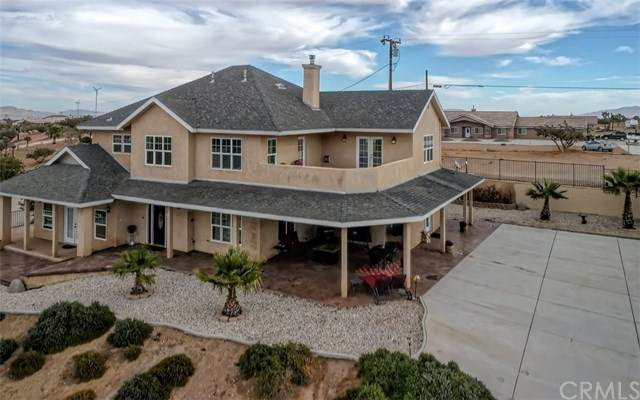 9124 Bellflower Street, Oak Hills, CA 92344 (#SW20232441) :: Steele Canyon Realty
