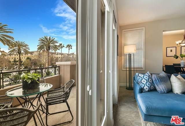 5721 S Crescent Park #214, Playa Vista, CA 90094 (#20655630) :: Team Tami