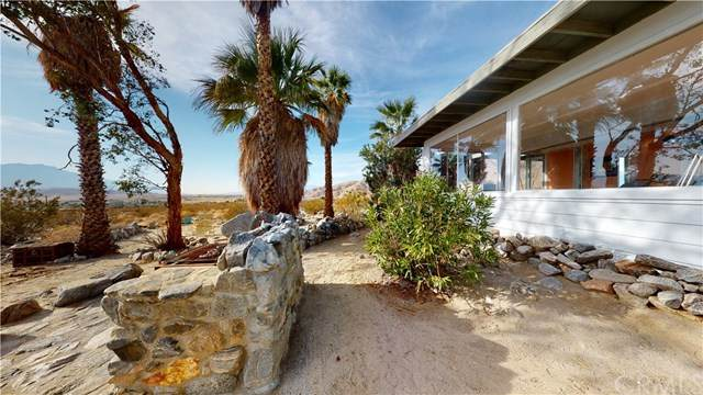 20205 Penny Lane, Desert Hot Springs, CA 92241 (#JT20234094) :: American Real Estate List & Sell