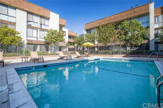 750 S Spaulding Avenue #107, Los Angeles (City), CA 90036 (#SB20233454) :: Go Gabby