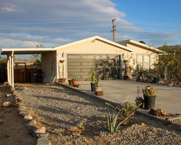 7171 Wilshire Avenue, 29 Palms, CA 92277 (#219052839PS) :: RE/MAX Masters