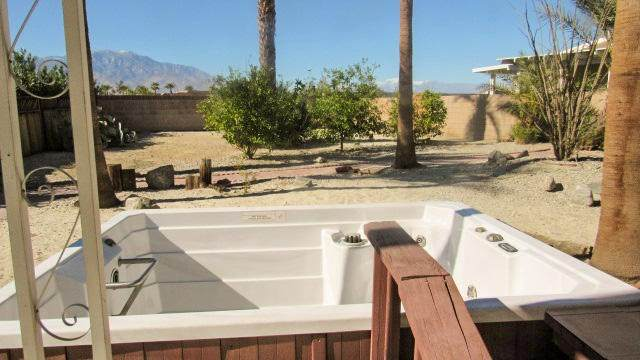 38141 Desert Greens Drive W, Palm Desert, CA 92260 (#219052929DA) :: The Costantino Group | Cal American Homes and Realty