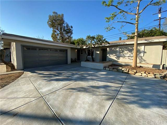381 W Blaine Street, Riverside, CA 92507 (#OC20236305) :: The DeBonis Team
