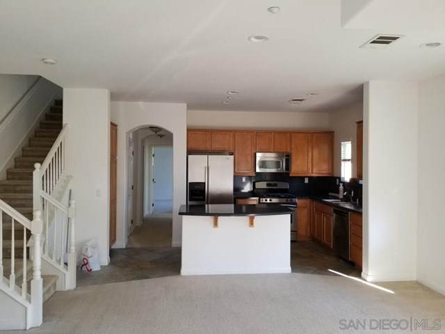 1380 Sky Ridge Ct, San Marcos, CA 92078 (#200051487) :: The Costantino Group | Cal American Homes and Realty