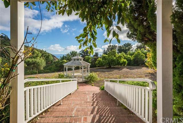 70 Portuguese Bend Road, Rolling Hills, CA 90274 (#PV20238048) :: Millman Team