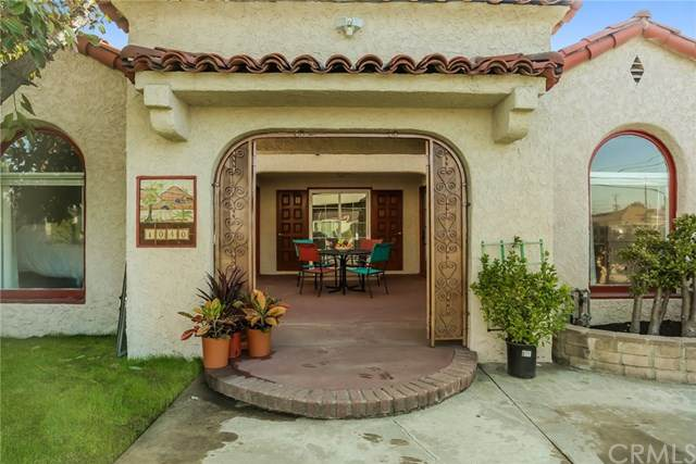1040 E Kingsley Avenue, Pomona, CA 91767 (#PW20239086) :: Mainstreet Realtors®