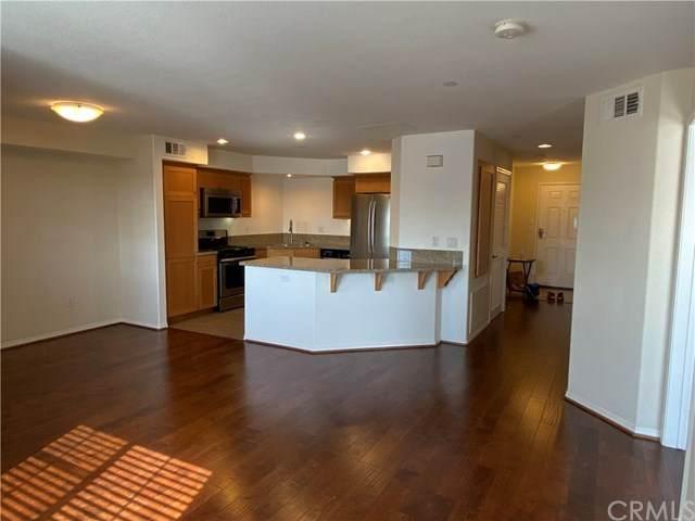 1401 Lomita Boulevard #301, Harbor City, CA 90710 (#SB20239044) :: Team Forss Realty Group