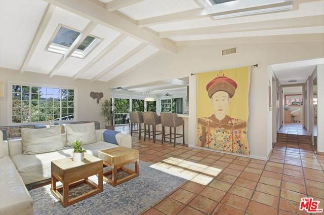 19815 Valley View Drive, Topanga, CA 90290 (#20659894) :: American Real Estate List & Sell
