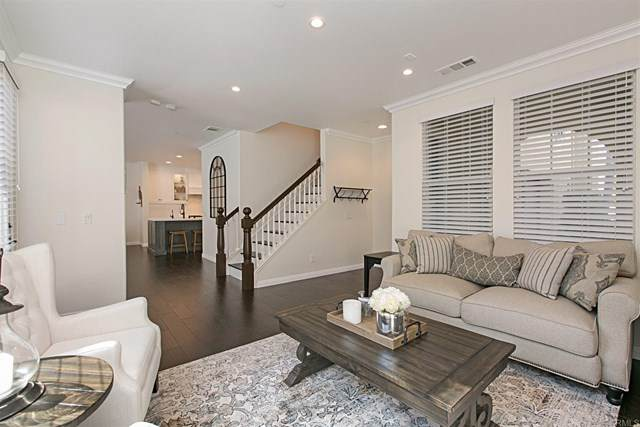18822 Roxbury Lane, Huntington Beach, CA 92648 (#NDP2002695) :: American Real Estate List & Sell