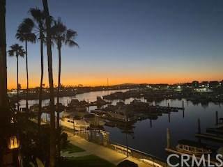 16291 Countess Drive #211, Huntington Beach, CA 92649 (#OC20241928) :: Crudo & Associates