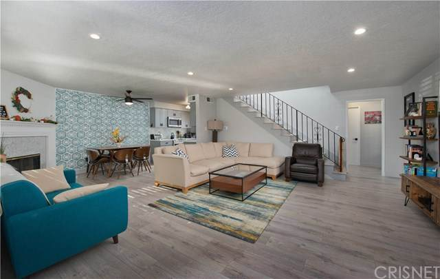 18525 Collins Street A3, Tarzana, CA 91356 (#SR20242349) :: American Real Estate List & Sell
