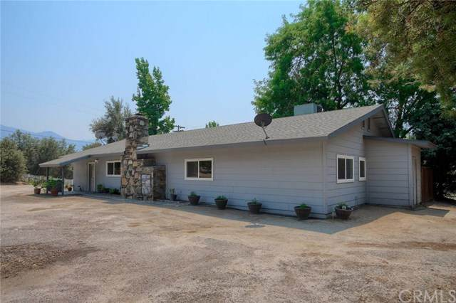 41351 Highway 49, Oakhurst, CA 93644 (#FR20243465) :: Steele Canyon Realty