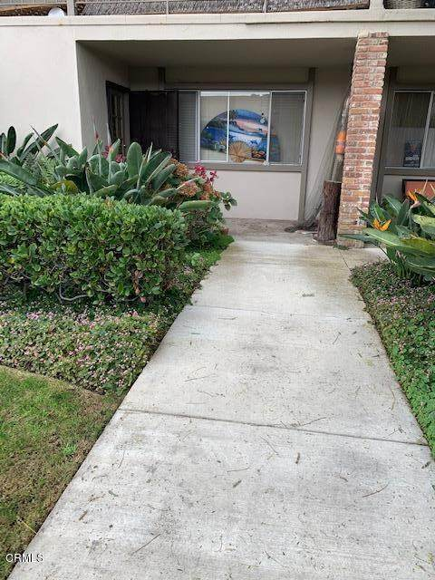 172 W Carmel Green, Port Hueneme, CA 93041 (#V1-2631) :: Bathurst Coastal Properties