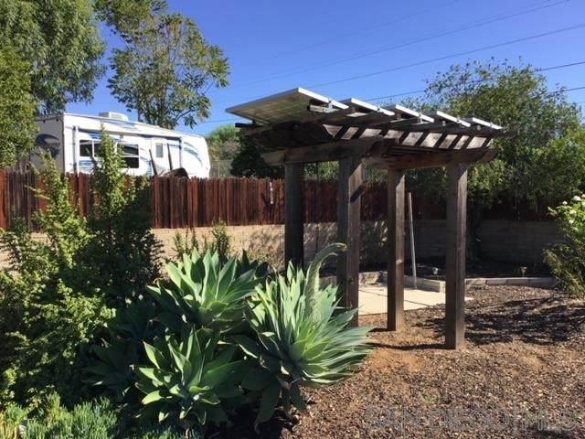 429 E 9th Avenue, Escondido, CA 92025 (#200052194) :: American Real Estate List & Sell
