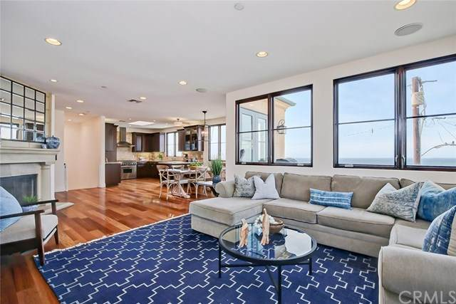 320 33rd Place, Manhattan Beach, CA 90266 (#SB20230009) :: Bathurst Coastal Properties