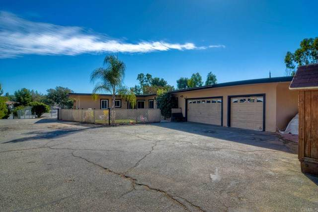 549 Ammunition Road, Fallbrook, CA 92028 (#NDP2002803) :: Steele Canyon Realty