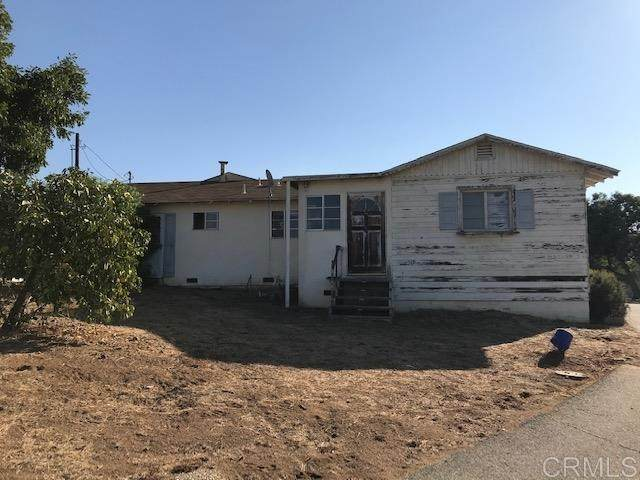 665 S Stage Coach Ln, Fallbrook, CA 92028 (#NDP2002813) :: Steele Canyon Realty