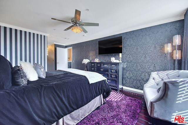 7320 Hawthorn Avenue #108, Los Angeles (City), CA 90046 (#20662394) :: The Marelly Group | Compass
