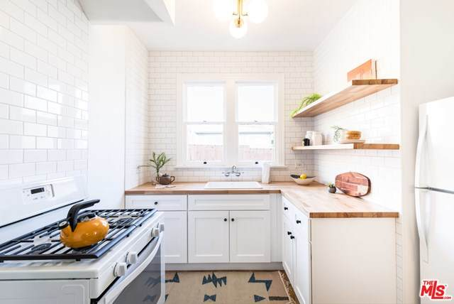 117 Rosemont Avenue 1/2, Los Angeles (City), CA 90026 (#20662614) :: Crudo & Associates
