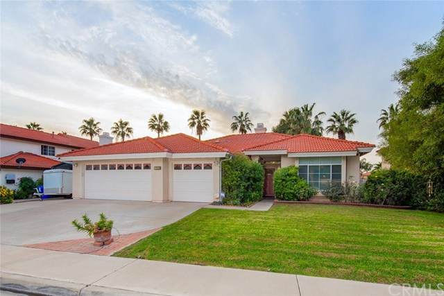 7928 Monterey Street, Fontana, CA 92336 (#CV20244807) :: Mainstreet Realtors®