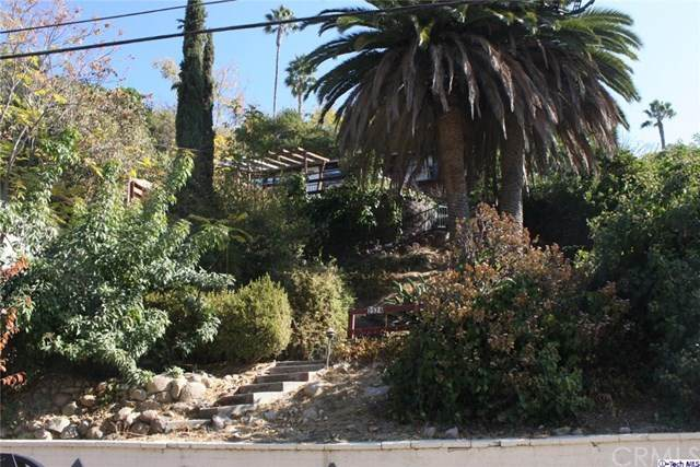 2574 Canyon Drive, Los Angeles (City), CA 90068 (#320004132) :: Team Forss Realty Group